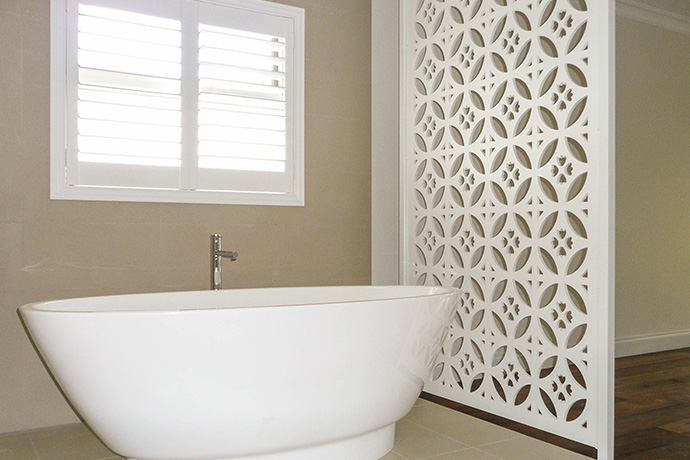 South Perth Townhouse Bath Screen