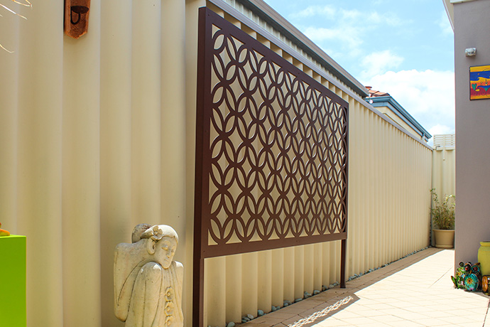 Duncraig Alfresco Screen